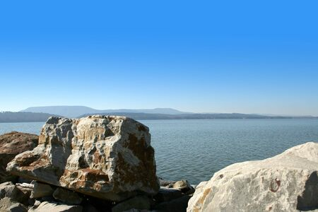 Landscape of the Arkansas River with a clear blue sky. Imagens