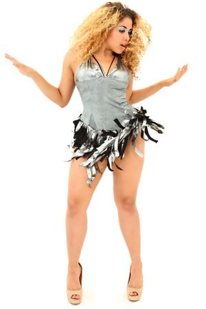 bailarines de salsa: Atractivo de Itialian Woman Dancing siria en Studio