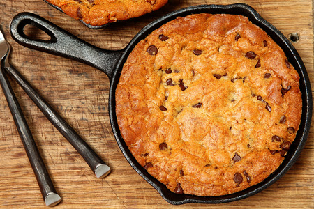 Gluten Free Chocolate Chip Skillet Cookie on table.