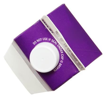 Blank Label Carton of Heavy Whipping Cream Over White Standard-Bild
