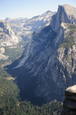 mariposa: Yosemite valley on a spring morning, as seen from glacier point. Stock Photo