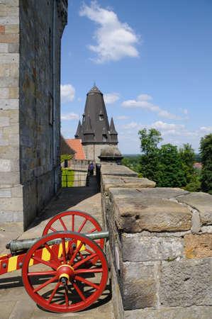 Een oud historisch kanon op de muren van castly Bad Bentheim in Duitsland Stockfoto