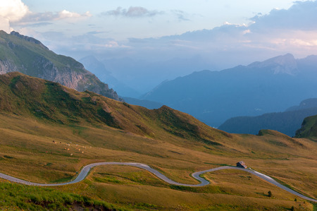 Sunset at the Passo di Giau, in the Italian Dolomites, on a late July evening. 版權商用圖片