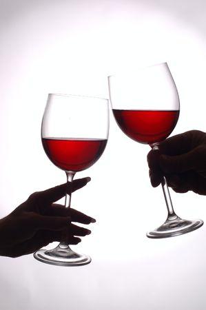 Brindis con vino tinto  Foto de archivo - 295344
