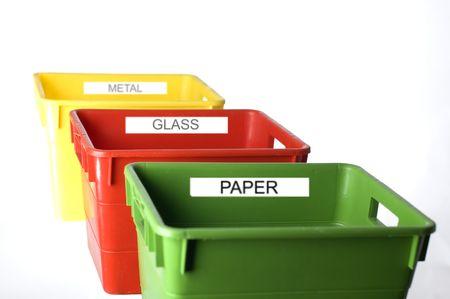 separacion de basura: envases coloridos para el cierre de la separaci�n de la basura para arriba