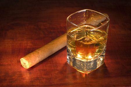 presti: whisky i cygara bliska strzelać