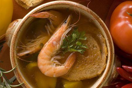 garnaal Zeevruchten soep met tomaat close-up