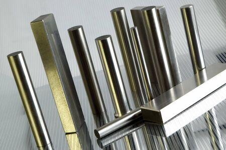 metalic: Metall-Objekte auf metallischen Hintergrund schlie�en sich Lizenzfreie Bilder