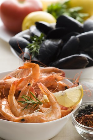 Whole fresh cooked prawns and shells close up shoot photo