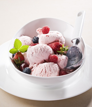 Fresh berry fruit ice cream close up Stock Photo - 9584921