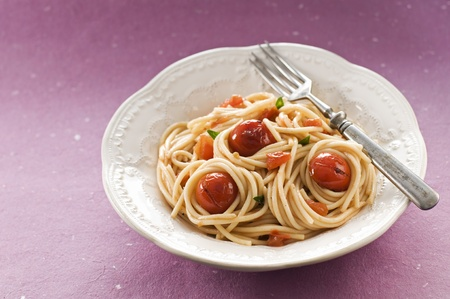Fresh spaghetti with tomato sauce close up Stock Photo - 12949360