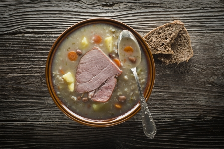 pearl barley: Traditional Slovenian barley soup - ricet with bread