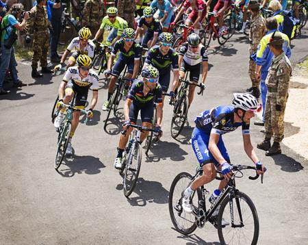 belmonte: MONTEMAGGIORE, Italy - may, 20. 2016:, Alejandro Valverde and Steven  KRUIJSWIJK during Giro di Italia 2016, 13st stage, 170km Editorial