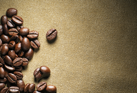jamoke: Fresh coffee beans on the basis of goods background