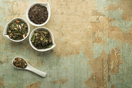 Dry tea leaves collection - classic black and green tea flavour