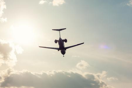Частный самолет посадки подсветкой