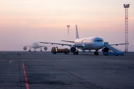 Самолеты покрыта туманом
