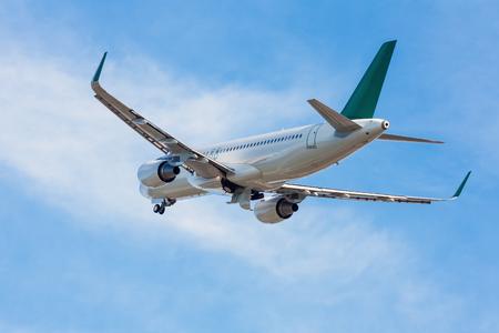 Самолет взлет шестеренные вверх