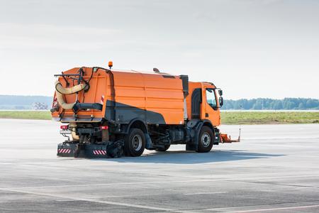 Очистка аэропорта фартук подметальной машины вакуумного