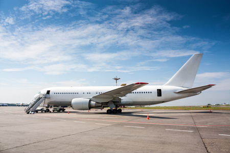 Ground handling wide-body passenger aircraft