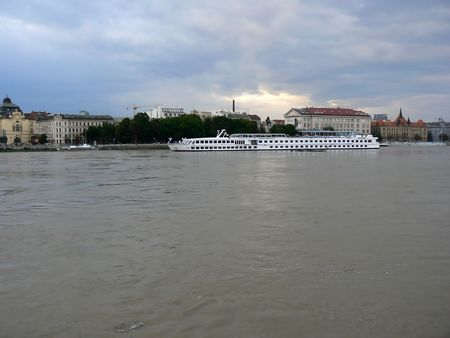 repetitious: Heavy sky and flooded Danube in Bratislava