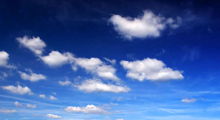 velvety: Cloudy sky with gradient (background, wallpaper)