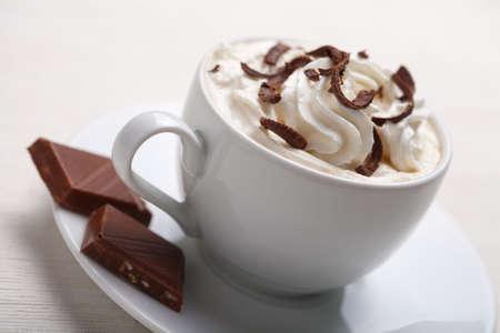 chocolat chaud: tasse de caf� avec du chocolat