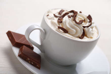 chocolate caliente: taza de caf� con chocolate