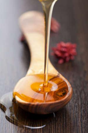 spoon yellow: honey