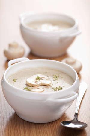 soup spoon: zuppa di champignon  Archivio Fotografico