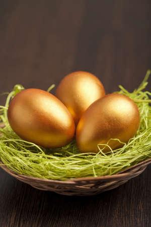 golden easter eggs Stock Photo - 9151641