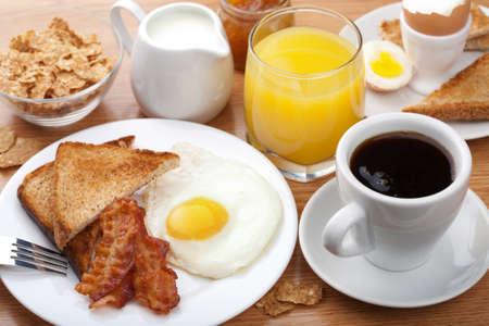 petit déjeuner: petit déjeuner traditionnel Banque d'images