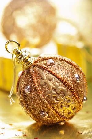 modern christmas baubles: golden christmas decoration