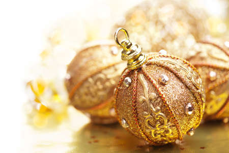 or des boules de Noël