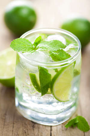 fresh mojito cocktail photo