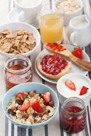 healthy breakfast Stock Photo - 15472960
