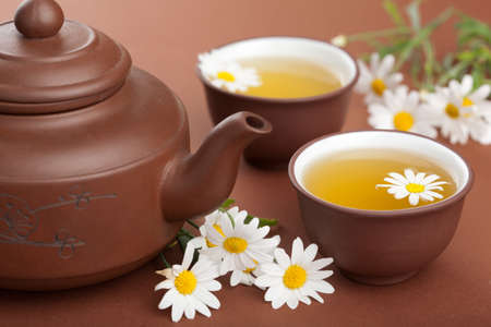 chamomile tea: green tea with chamomile flowers