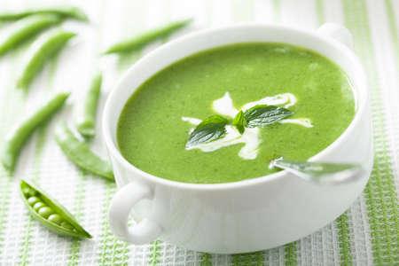 ミントとエンドウ豆のスープ
