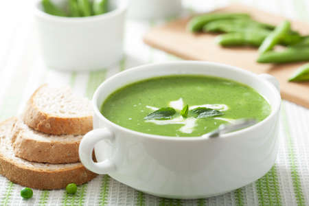 pea soup with mint