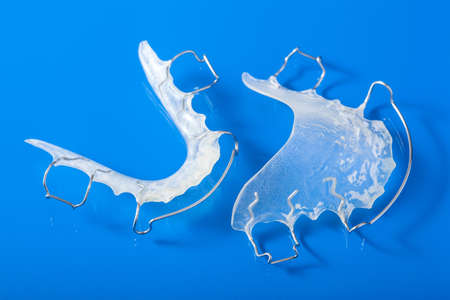 orthodontic teeth retainer brace bracket