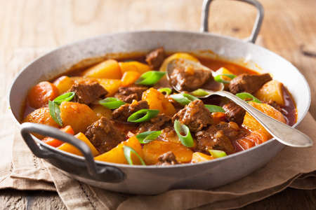 beef stew with potato and carrot  Zdjęcie Seryjne