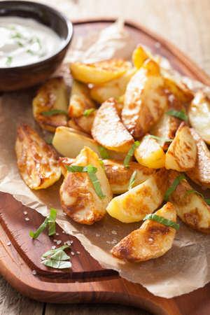 ovenbaked: baked potato wedges with yogurt dip