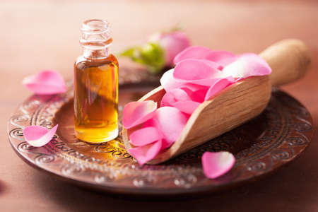 rose flower and essential oil. spa and aromatherapy Stock fotó - 31525559