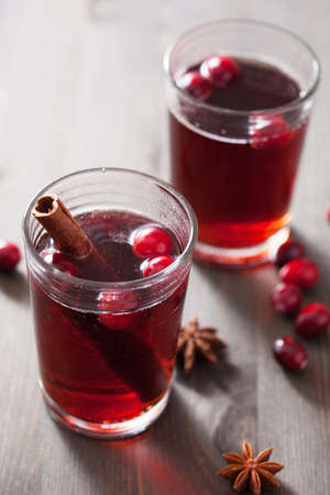 grog: mulled wine with cranberry and spices