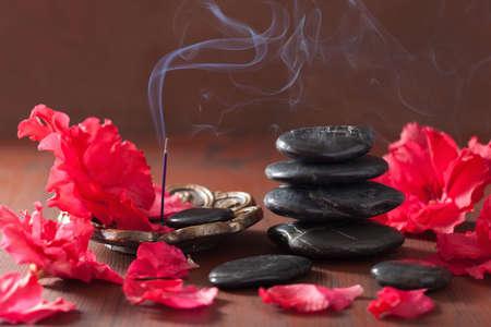 Azalee blüht schwarze Massagesteine ??Räucherstäbchen für die Aromatherapie Spa-
