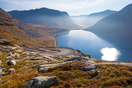 lacet: Way to Dalsnibba mountain in Norway