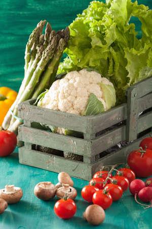 coliflor: verduras tomate rábano lechuga coliflor espárragos Foto de archivo