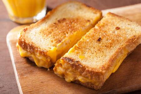 朝食のグリルド チーズ サンドイッチ 写真素材