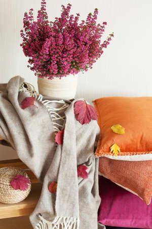 kleurrijke kussens gooien gezellige huis herfst sfeer bloem