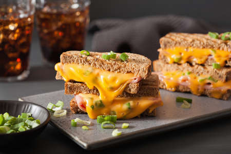 grilled ham and cheese sandwich Banque d'images